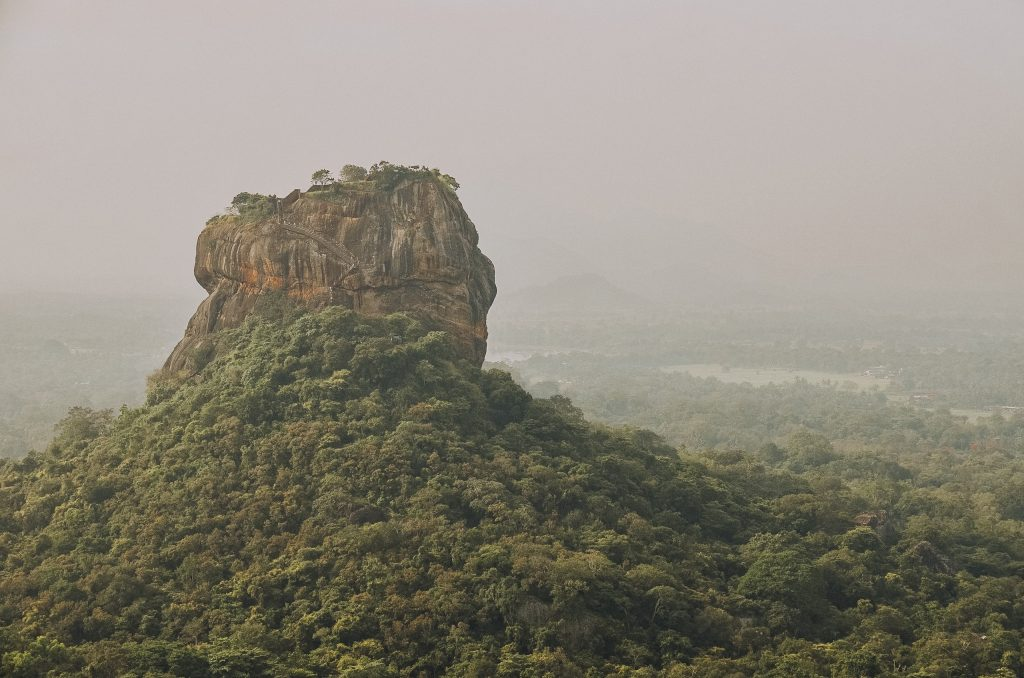 Pidurangala-rock-sigiriya
