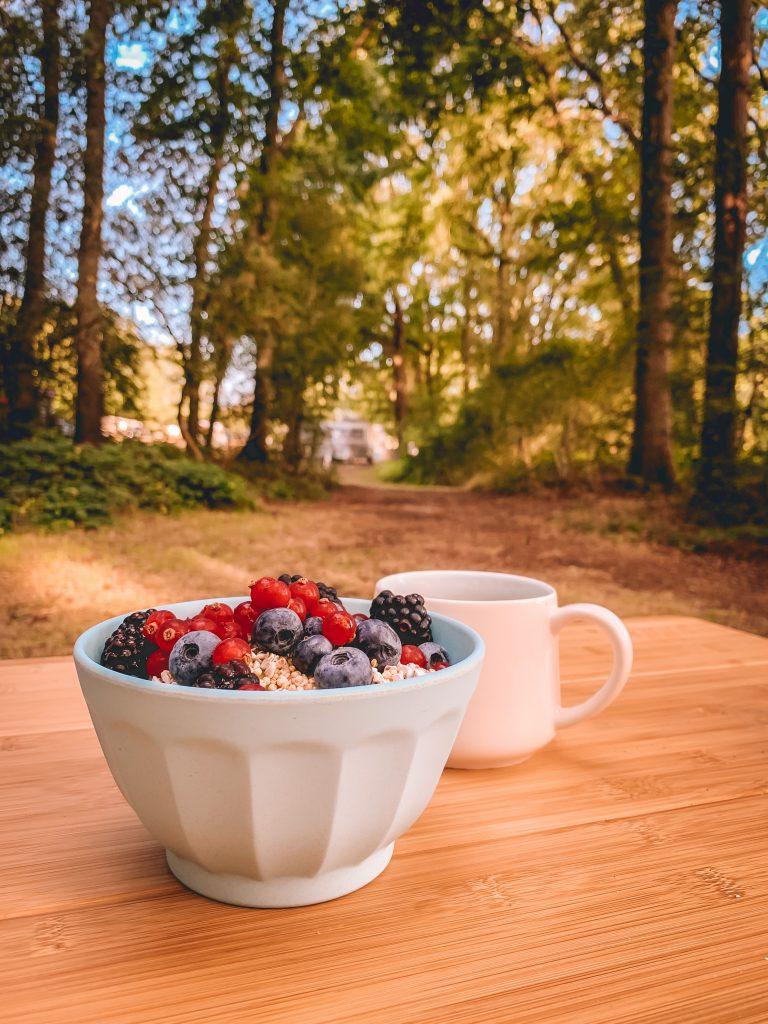 ontbijt-op-de-camping