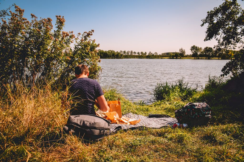 Picknicken-aan-de-Maas