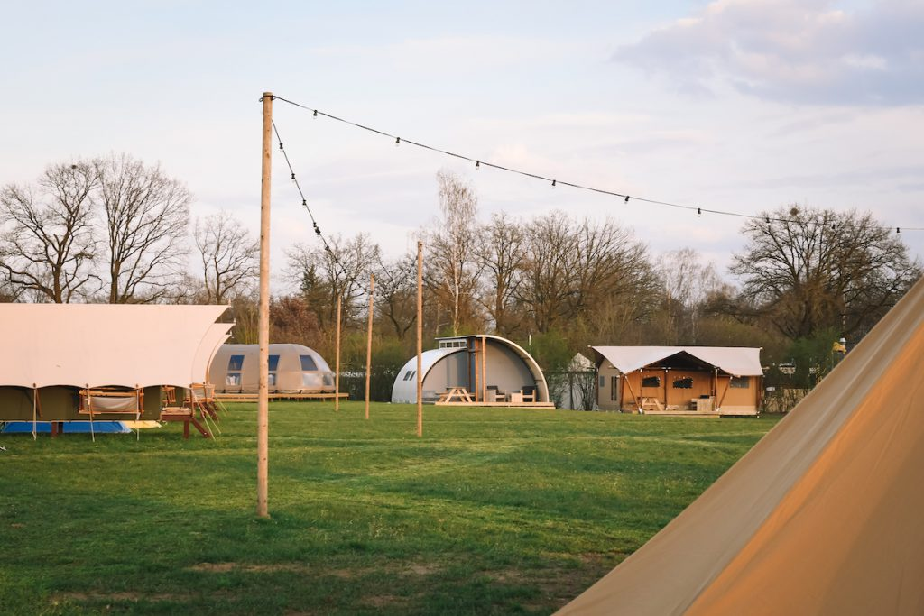 Pop-up-glamping-glamp-outdoor-camp