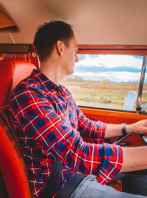 Rijden-huren-Volkswagen-camper-Dreambus.frl