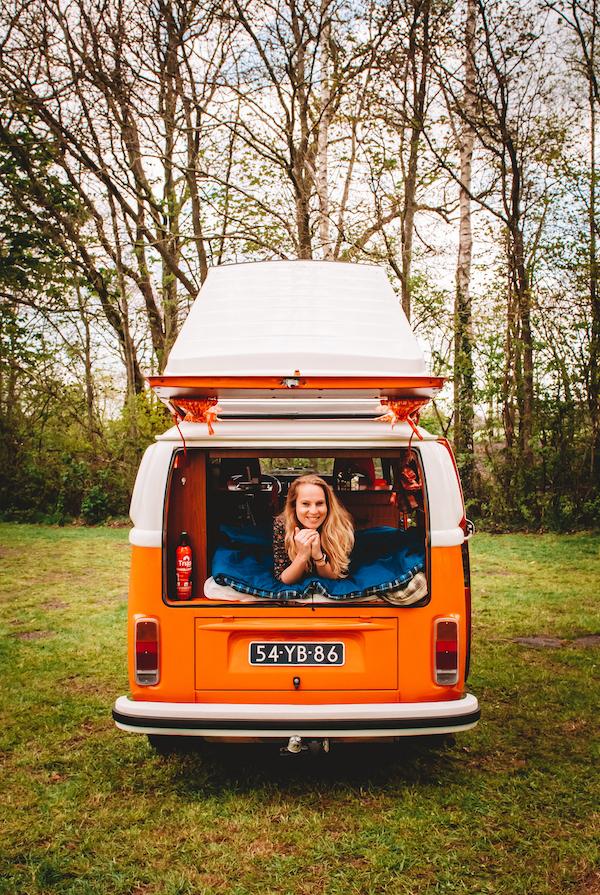 Verhuur-Volkswagen-camper-kamperen-roadtrip-bruiloft
