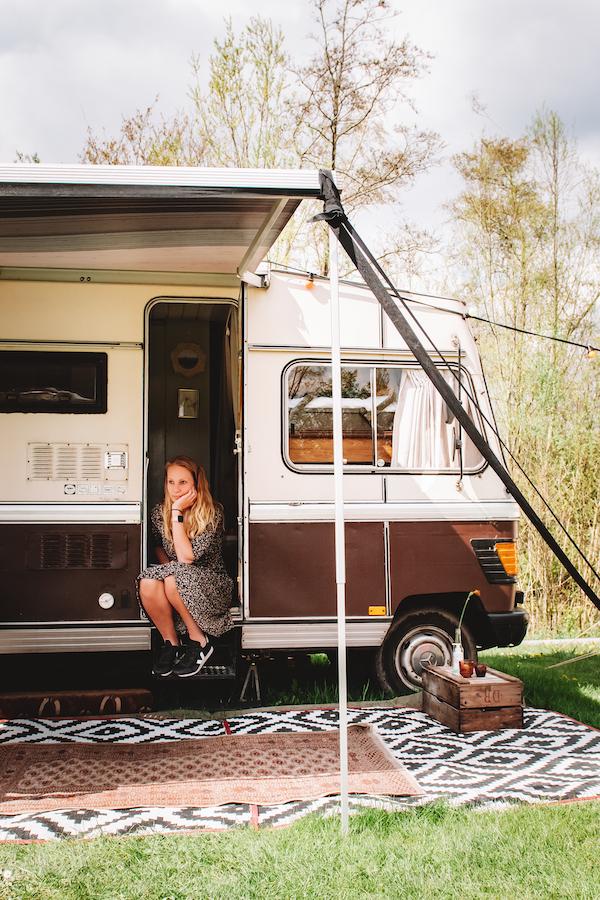 Vintage-camper-huren-camping-De-Camphanen