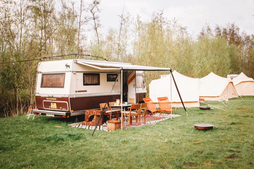 Reizende-camping-de-Camphanen-privedouche