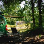 LEAVV-e-camper-huren-charme-camping-hartje-groen-maashorst