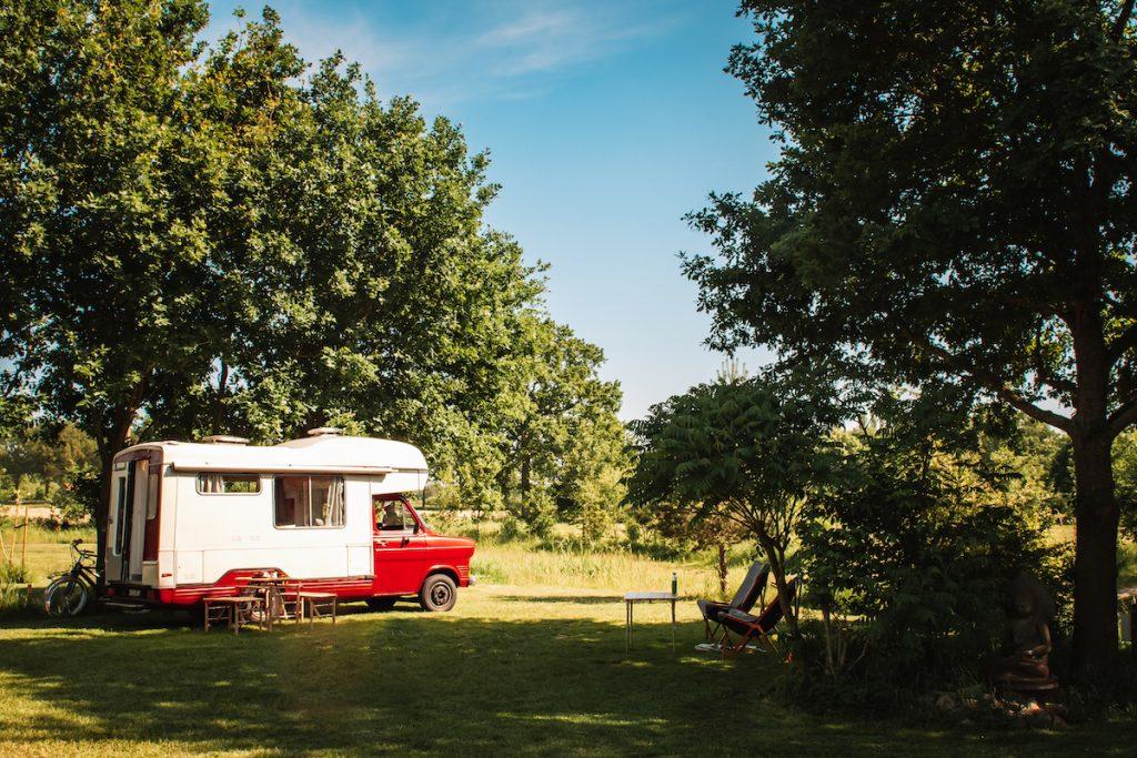 Kamperen-Dumdum-Oldtimer-Camper-huren