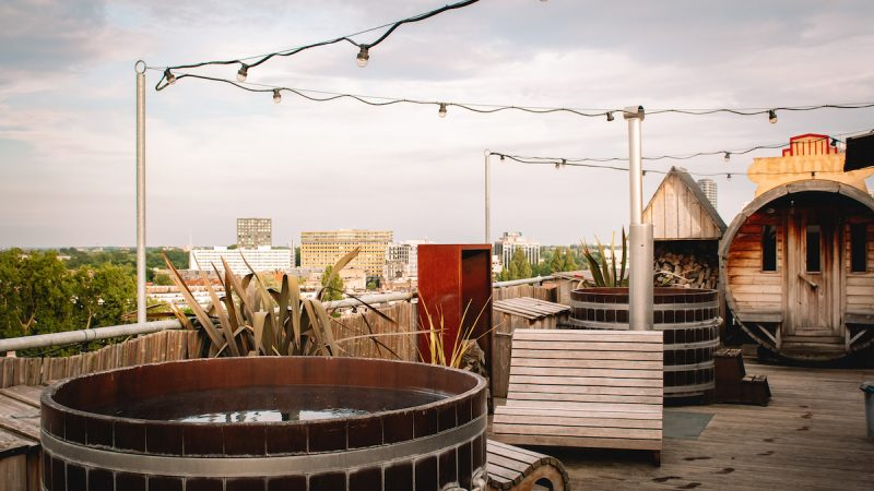 Badplaats-Volkshotel-Amsterdam-hot-tub-sauna 1