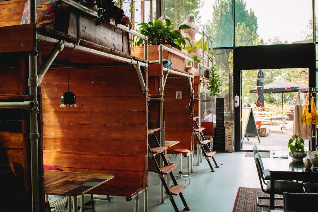 Roadtrip-Nederland-e-camper-Cafe-de-Keet-Kanaal-30-Utrecht-creatieve-broedplaats
