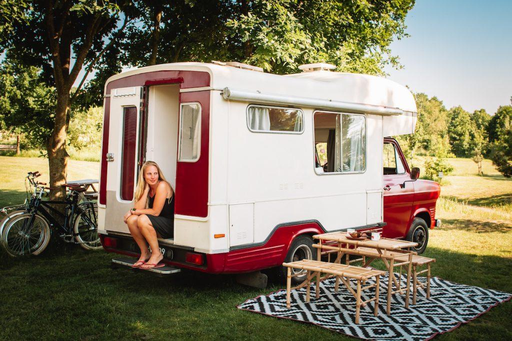 Oldtimer-camper-huren-Nederland-Dumdum-deux